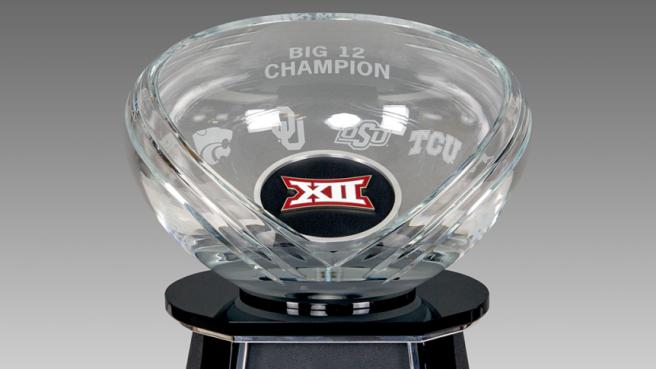 Big_12_Trophy_Crystal_Bedpan